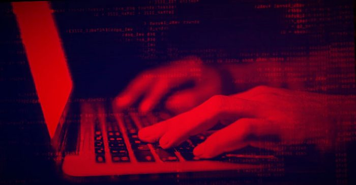 Hacker 21 tuổi bị dẫn độ về Mỹ